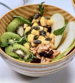 Ensalada de fruta y frutos secos